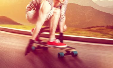 Downhill Longboard in Aktion